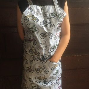Kids waterproof apron fully adjustable fit